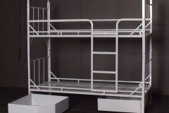 Łóżko piętrowe z drabinką do cel ze skrzyniami